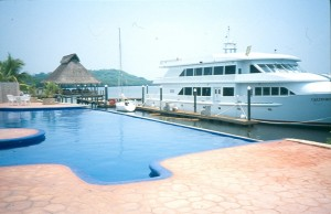 2005-mpds-piscina-y-yate-300x194