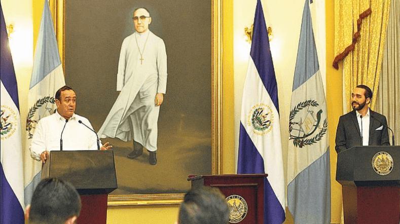 Anuncio. En conferencia de prensa, los presidentes hicieron diversos anuncios entre ellos la eliminación de las fronteras para el tránsito de personas y mercaderías.
